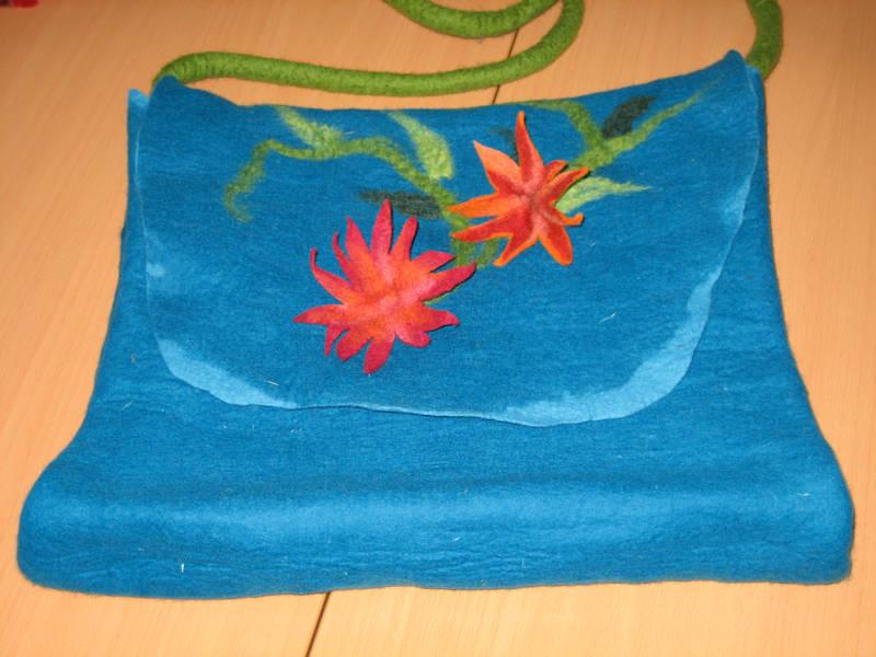 blaue-Tasche